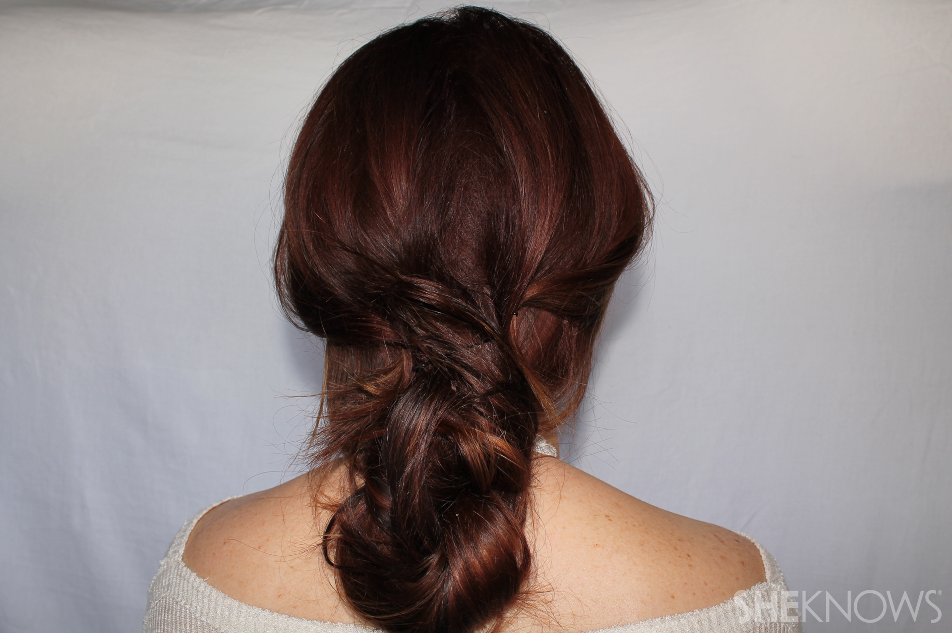Knotted Messy Bun Step 4: Finished