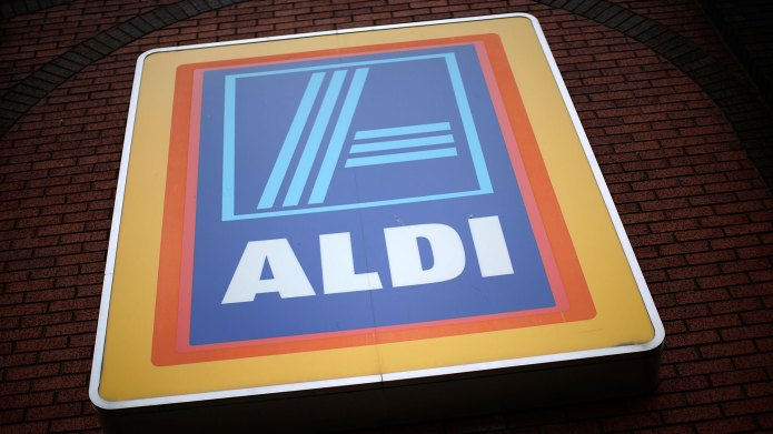Aldi grocery store sign
