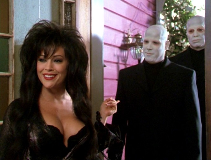 Still From 'Charmed' : All Halliwell's Eve (Season 3, Episode 4)