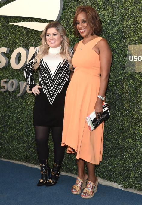 Kelly Clarkson arrives at 2018 US Open Gala with Gayle King