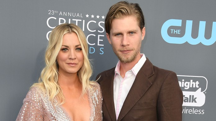 Kaley Cuoco, Karl Cook arrives at