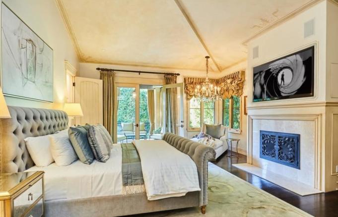 Britney Spears' bedroom