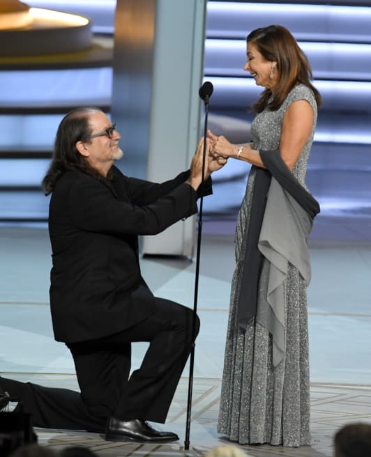 Photo of Glenn Weiss proposing at the 2018 Primetime Emmys