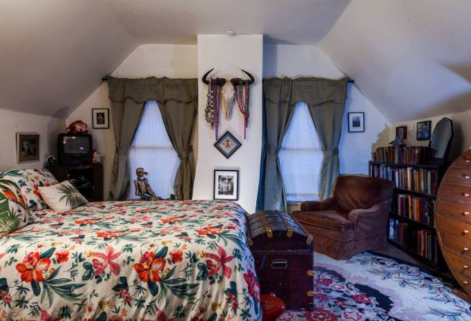 The haunted bedroom in Parks-Bowman Mansion.