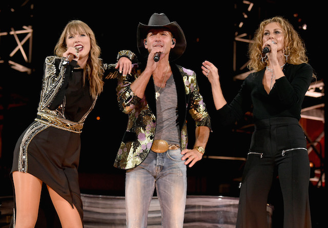 Taylor Swift, Tim McGraw and Faith Hill perform onstage during the Reputation Stadium Tour