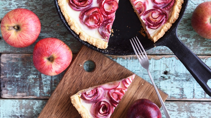 Homemade yummy pie. Apple rose tart