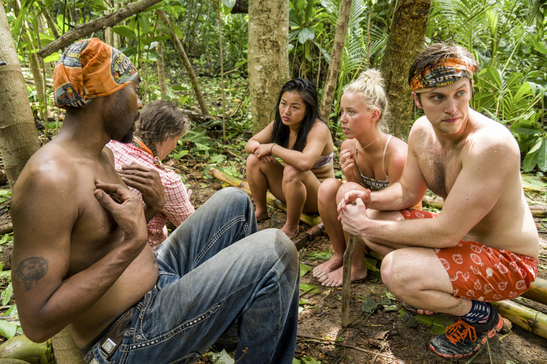 Photo of Bi Nguyen and other castaways on Survivor: David vs. Goliath