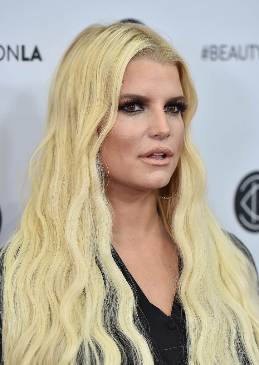 picture Jessica simpson buggers everything up for her new boyfriend