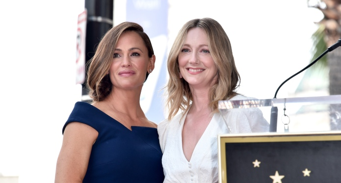 Jennifer Garner and Judy Greer pose