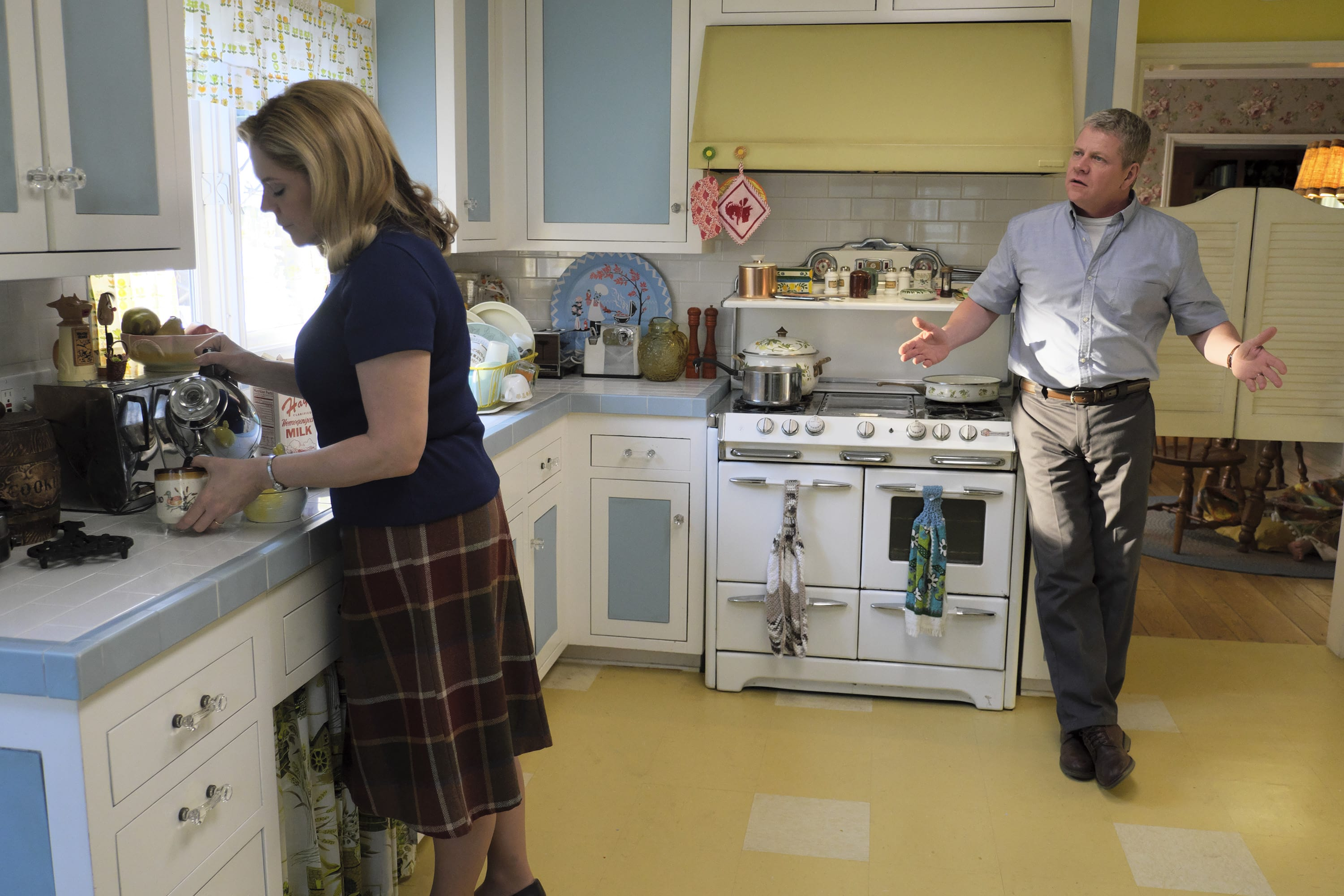 Photo of Mary McCormack and Michael Cudlitz in 'The Kids Are Alright'