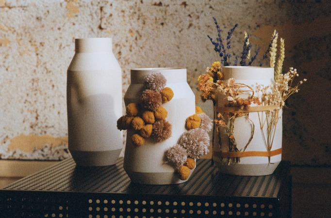 Självständig vase