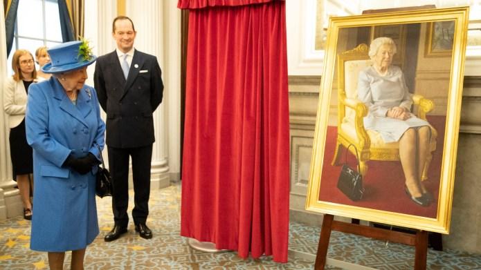 Queen Elizabeth II views a new