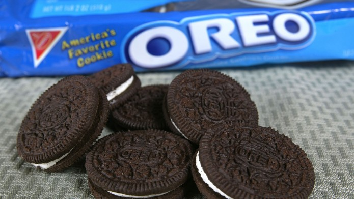 photo of oreo cookies