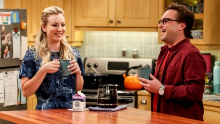 Kaley Cuoco and Johnny Galecki in