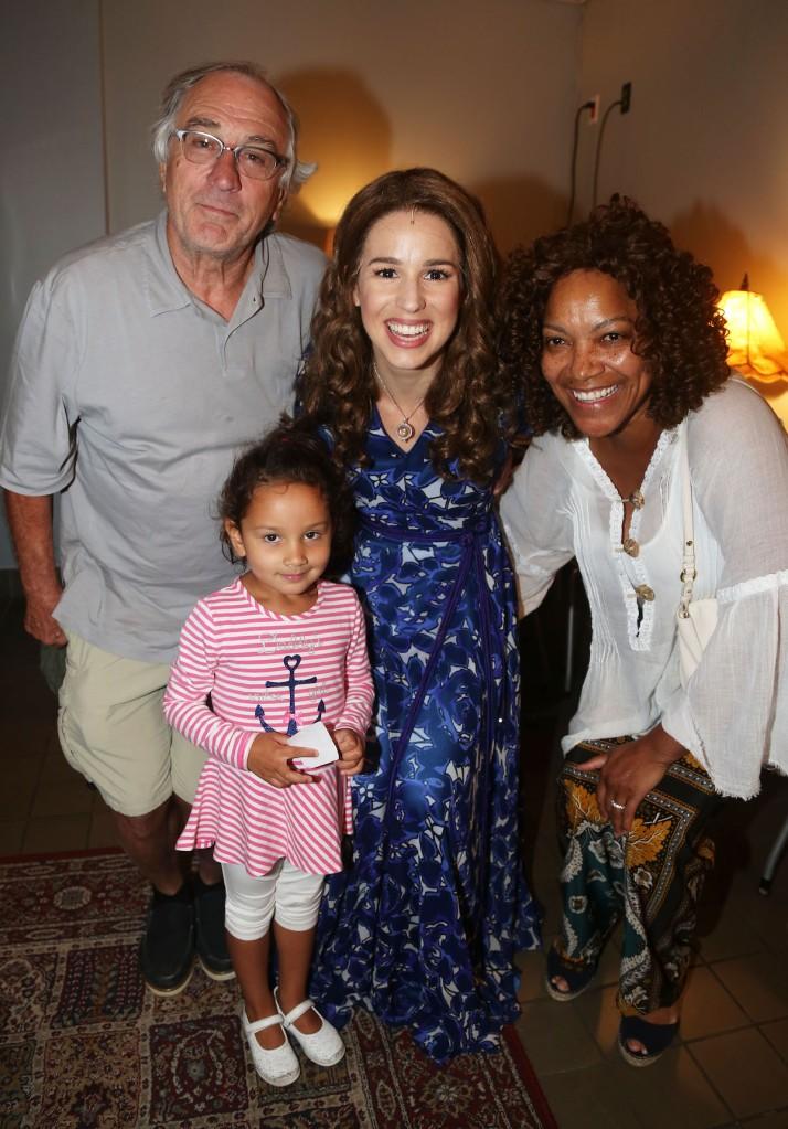 photo of robert deniro wife grace hightower and daughter helen