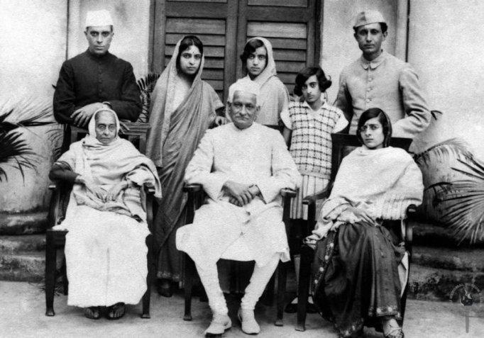 A portrait of the Nehru-Feroze Gandhi family