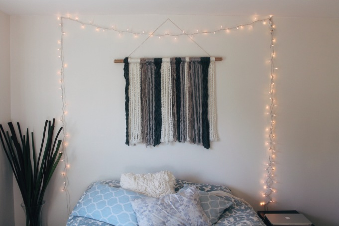 Cheap Wall Covering Ideas: DIY Yarn Wall Tapestry