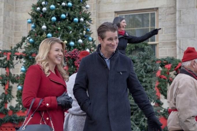 Jodie Sweetin and Brendan Fehr in Hallmark's 'Entertaining Christmas'