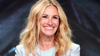 Julia Roberts smiling at 2018 TCA