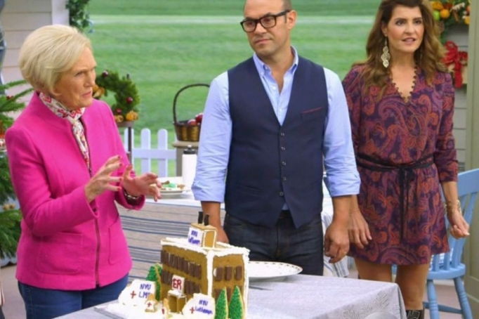 Mary Berry hosts 'The Great American Baking Show: Holiday Edition'