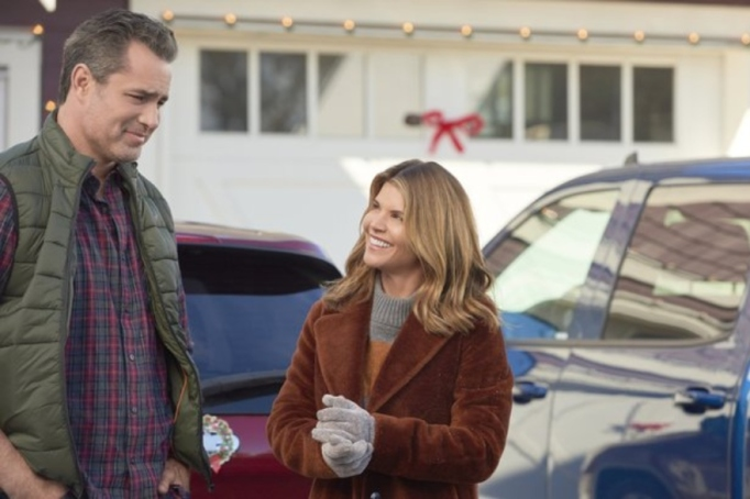 Lori Loughlin and Victor Webster in 'Homegrown Christmas'