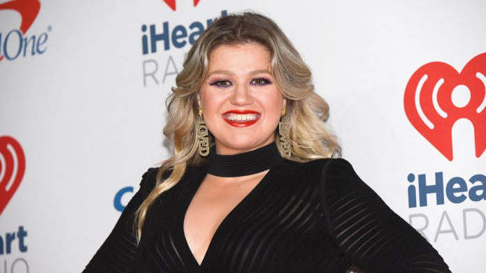 Kelly Clarkson attends the 2018 iHeartRadio