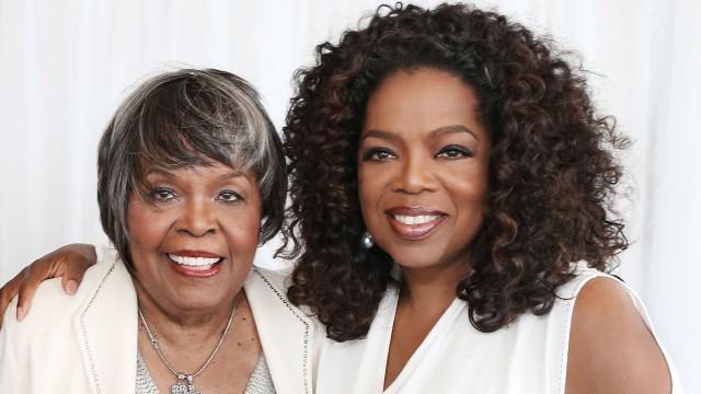 Photo of Oprah Winfrey (R) and her mother, Vernita Lee