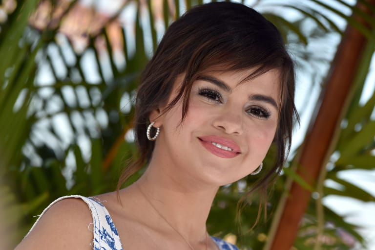 Celebrity Uses for Aquaphor: Selena Gomez: Use It to Make Cream Eyeshadow