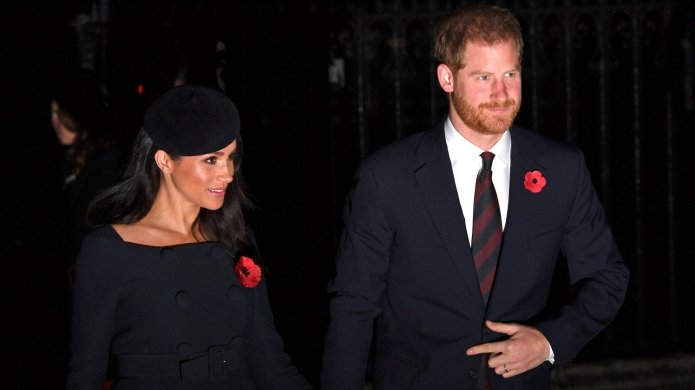 Meghan Markle & Prince Harry Have the Cutest Christmas Card Photo – SheKnows
