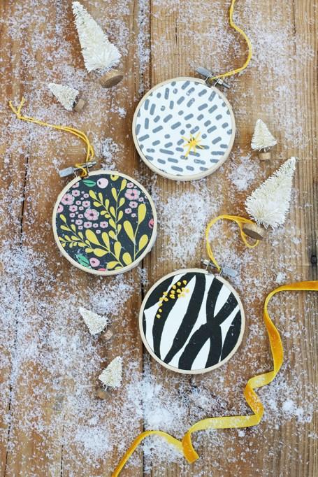 DIY Embroidery Hoop Ornaments