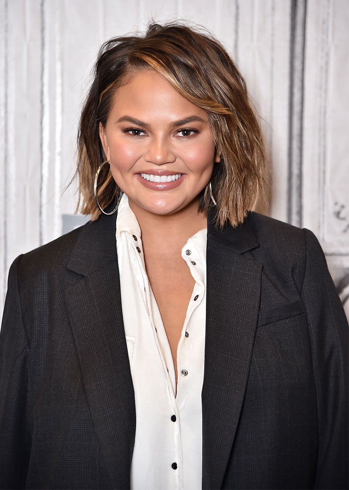 Expert-Approved Bob Haircut for Every Head Shape: Chrissy Teigen Round faced bob