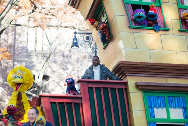 Leslie Odom Jr. attends the 91st Annual Macy's Thanksgiving Day Parade on November 23, 2017 in New York City