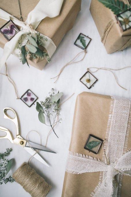 DIY Pressed Flowers Ornaments