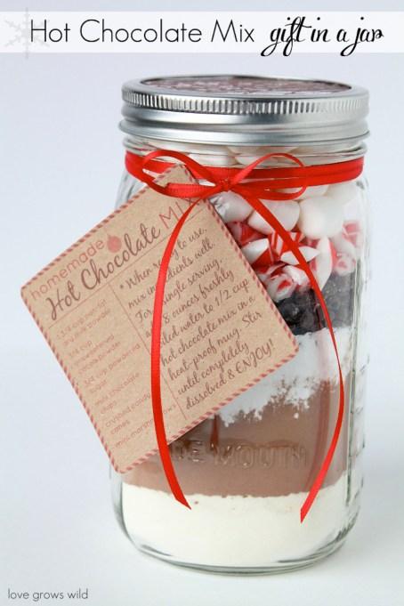 Peppermint Hot Chocolate In a Jar