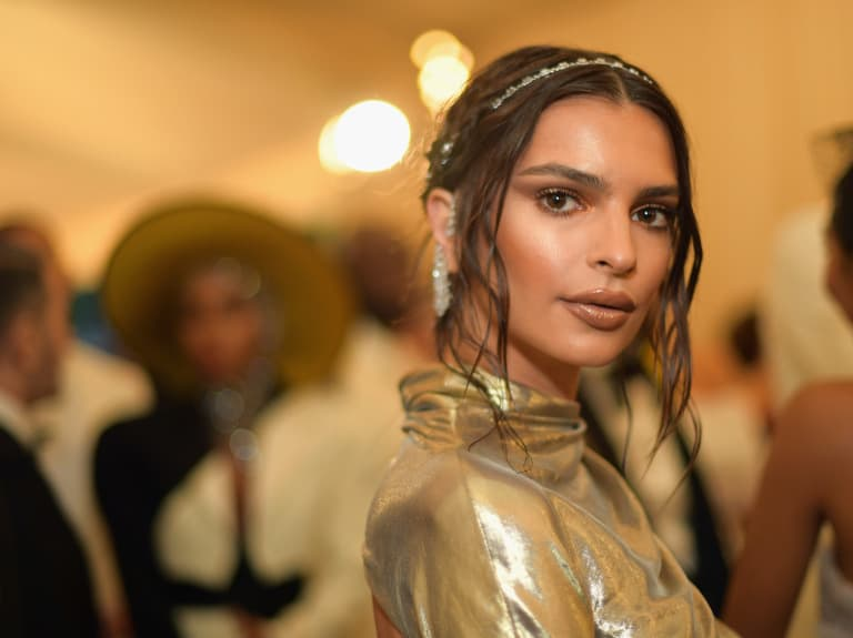 Celebrity Uses for Aquaphor: Emily Ratajkowski: Use It to Define Lipstick