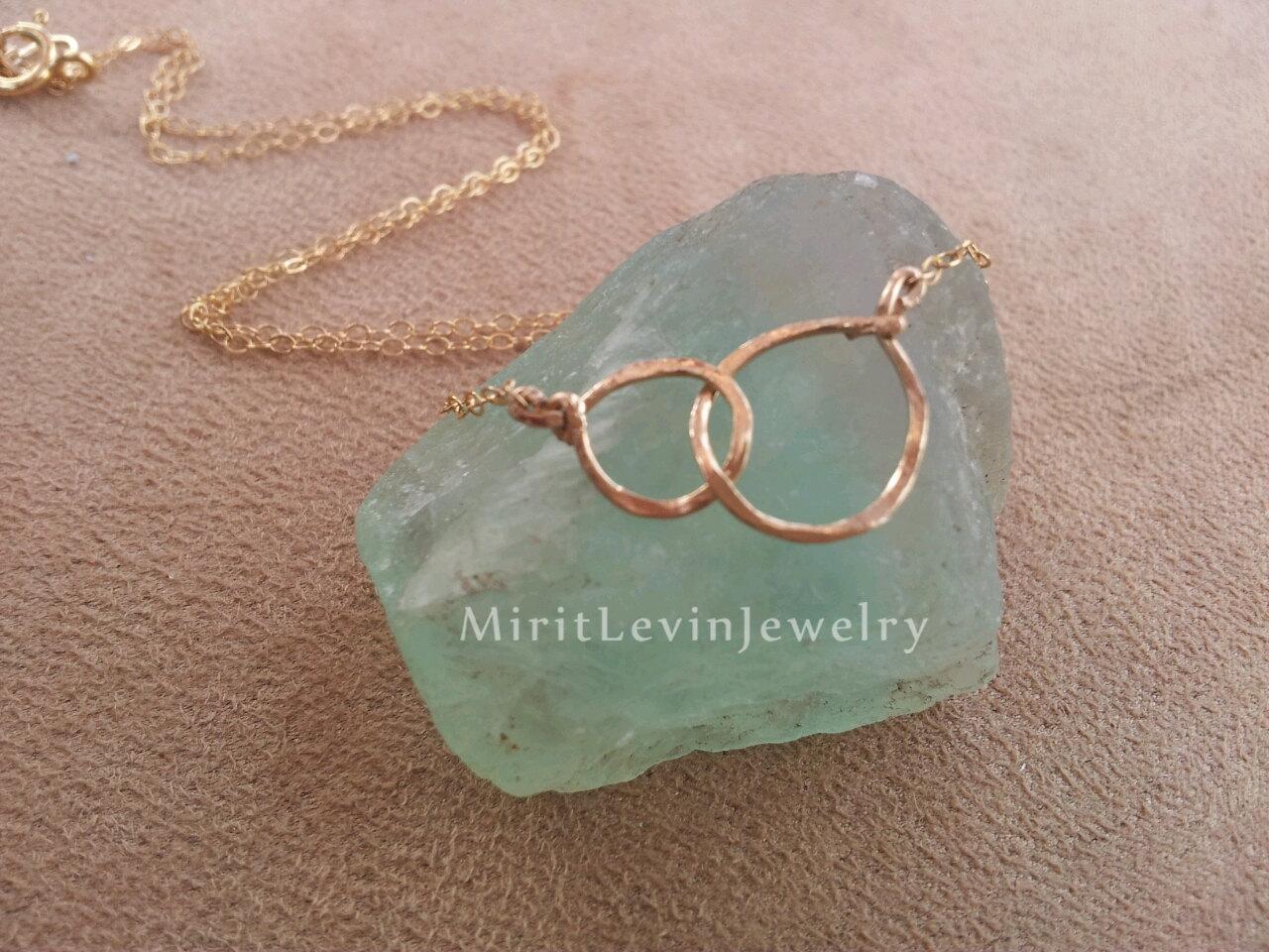 Love link necklace | Sheknows.com