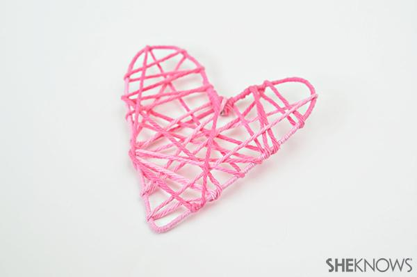 Heart garland | Sheknows.com - step 4