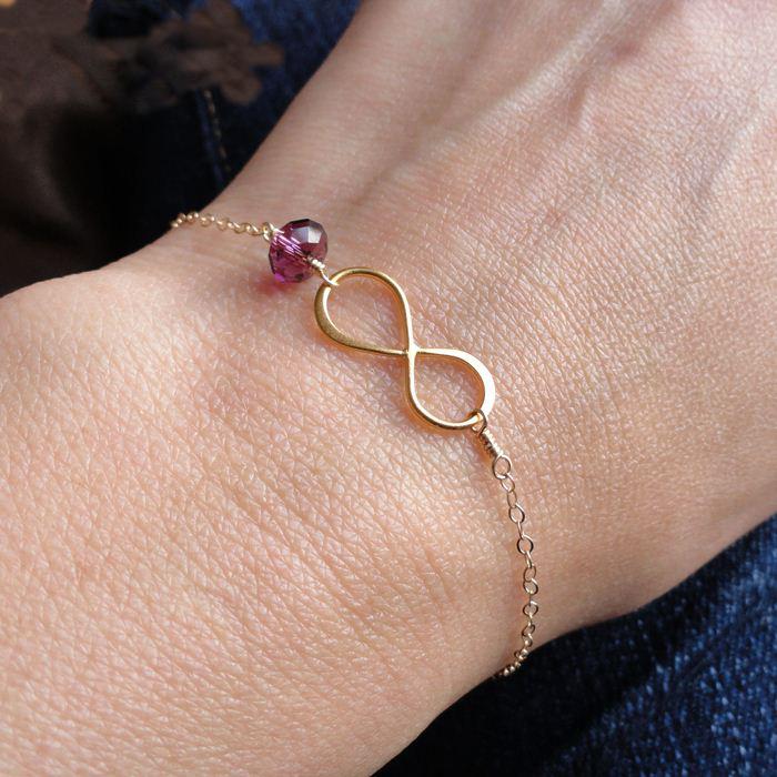 Infinity bracelet | Sheknows.com