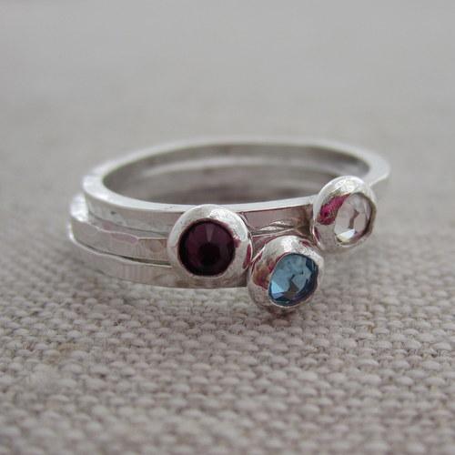 Tiny birthstone ring | Sheknows.com