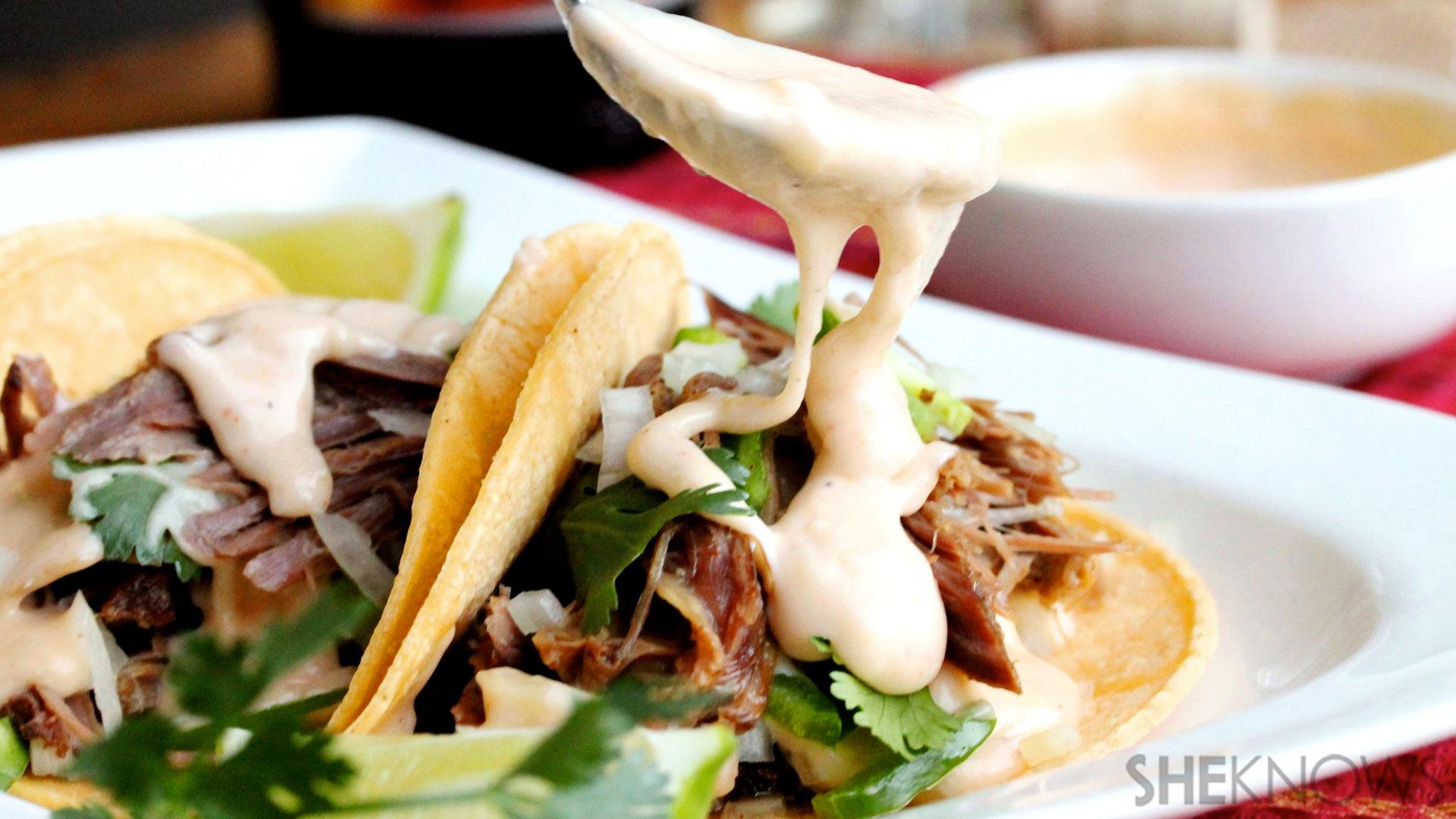 slow cooker chipotle pork tacos