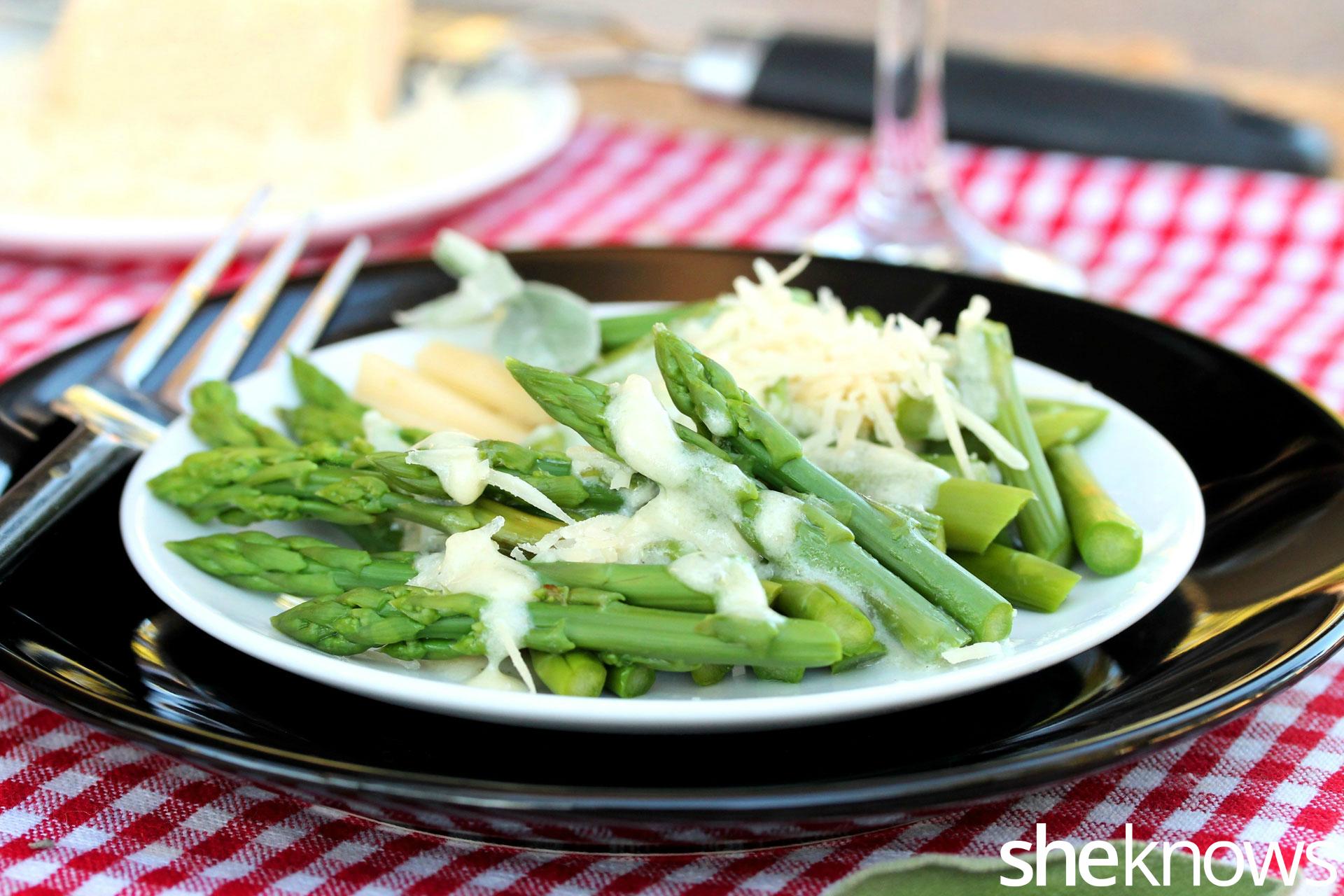 alfredo-asparagus-on-plate