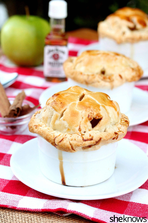 bourbon-apple-pies-on-plate