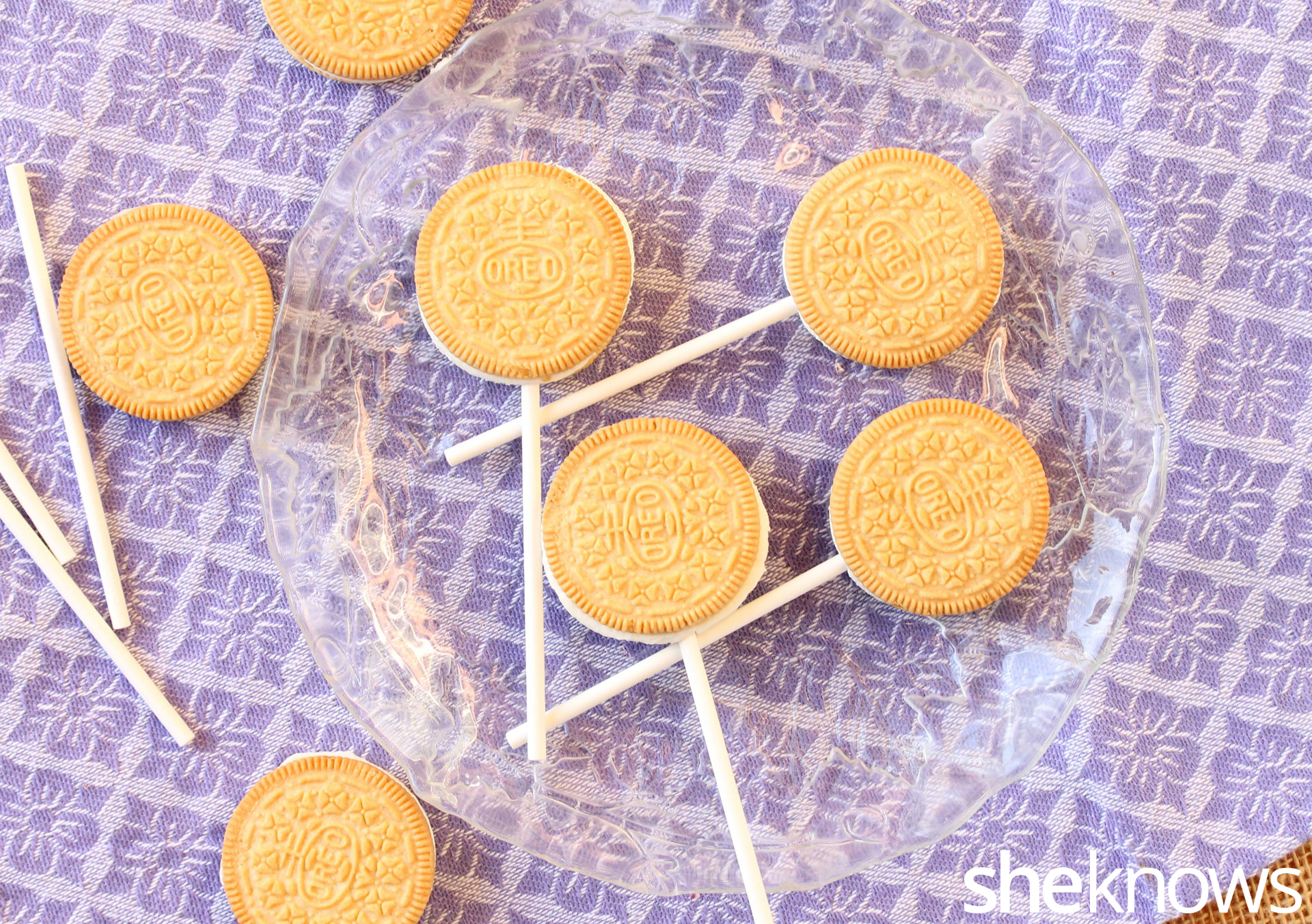 cookie-pops-with-sticks