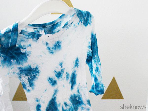 Tie-dye onesie: Step 5