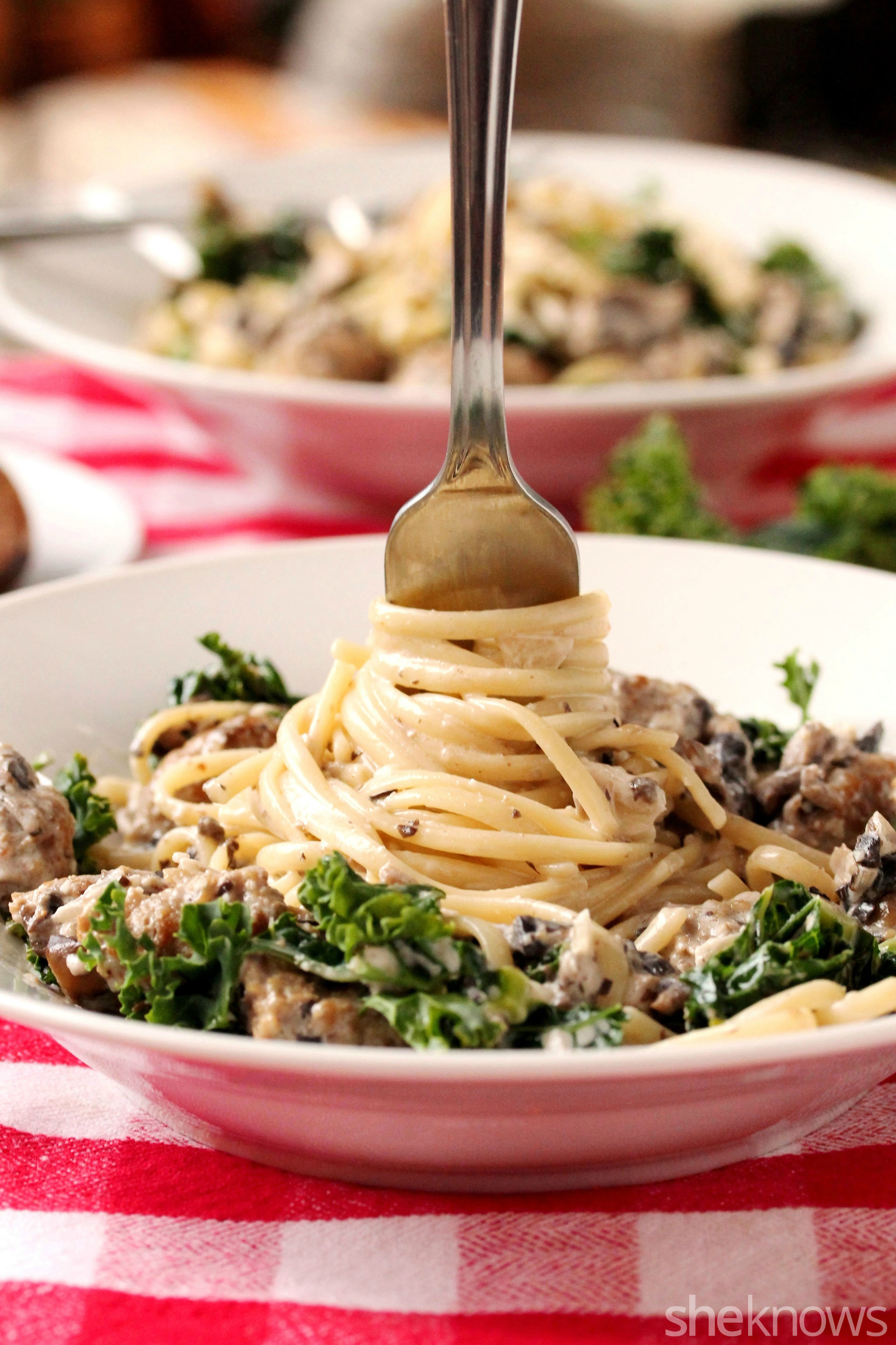 linguine-in-creamy-sauce-and-kale