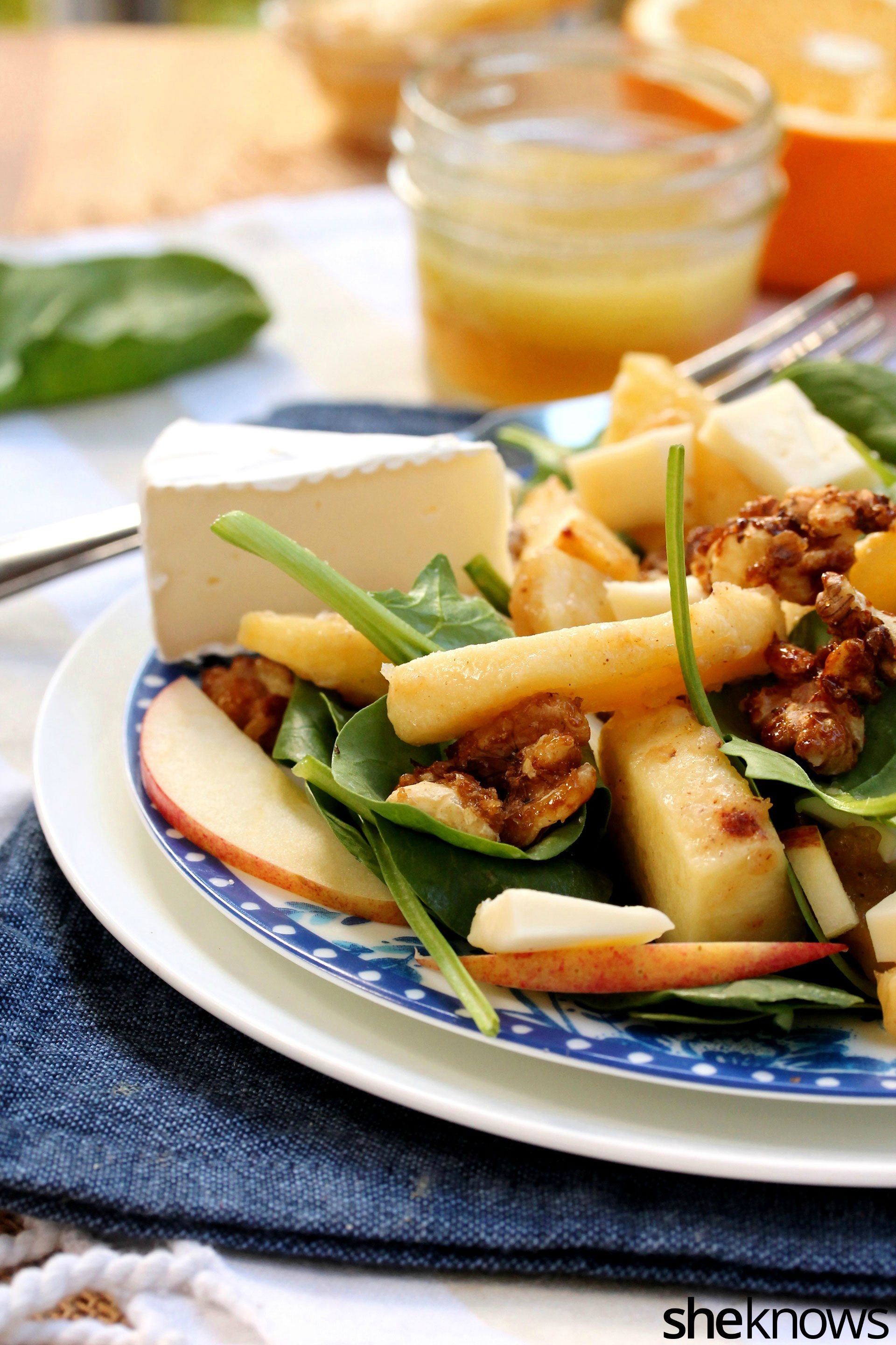 spinach-apple-brie-walnut-salad