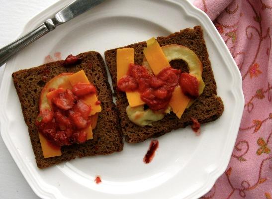 Gluten-Free Fruit Sandwich