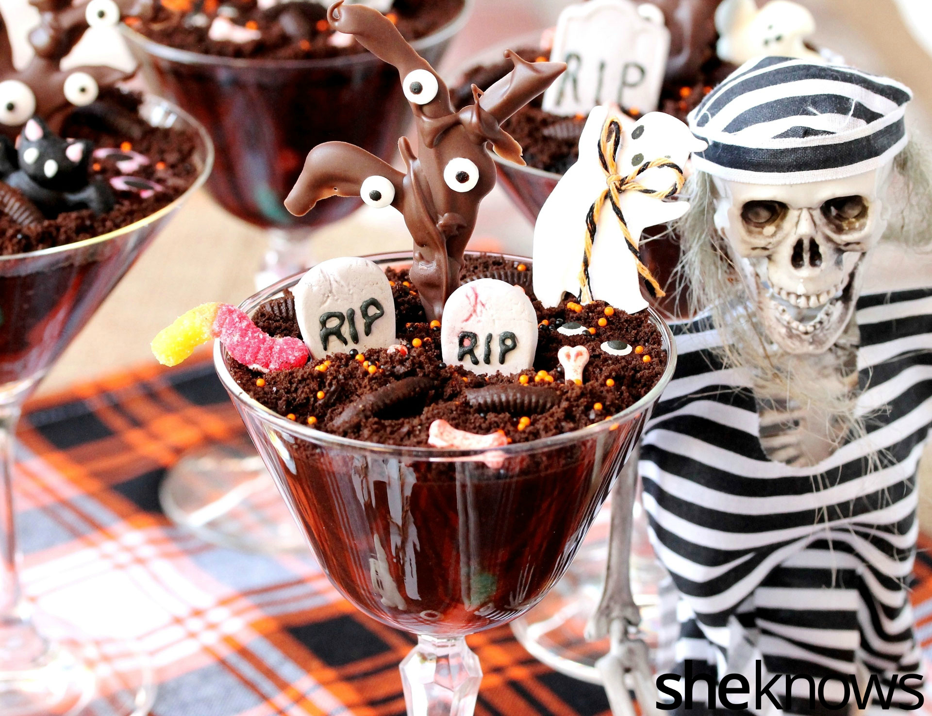 Halloween chocolate pudding
