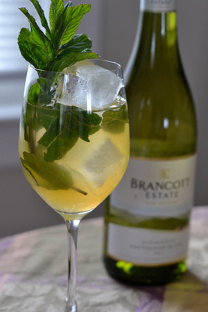 Minty Peach Sangria (can be served as a pitcher)