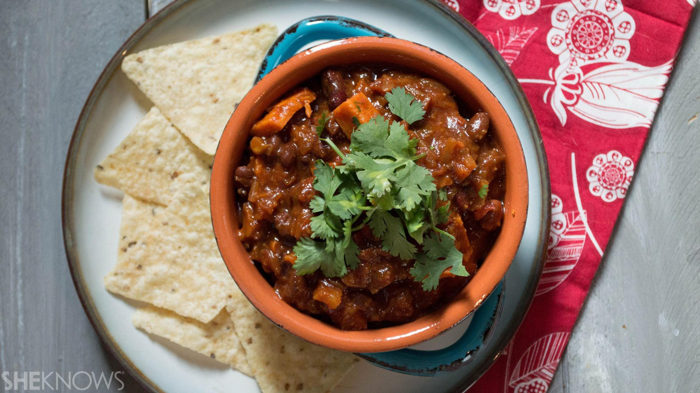 This is a convenient and tasty dish: slow cooker 3-bean butternut squash chili
